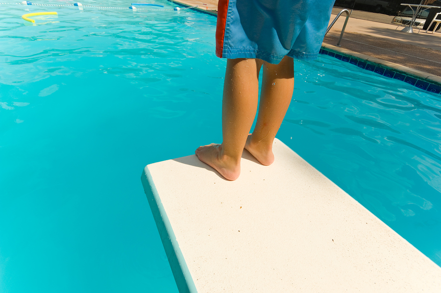 Before investing in a diving board, learn the diving board safety practices to keep accidents from happening.